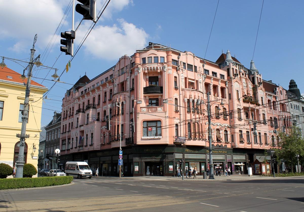 Debrecen9