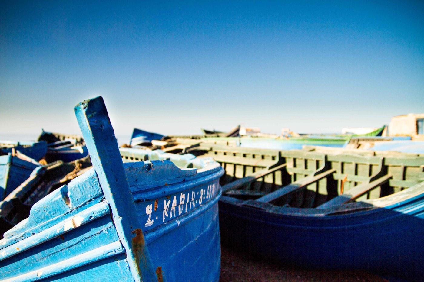 TaghazoutDe bootjes liggen op het strand bij Tifnit