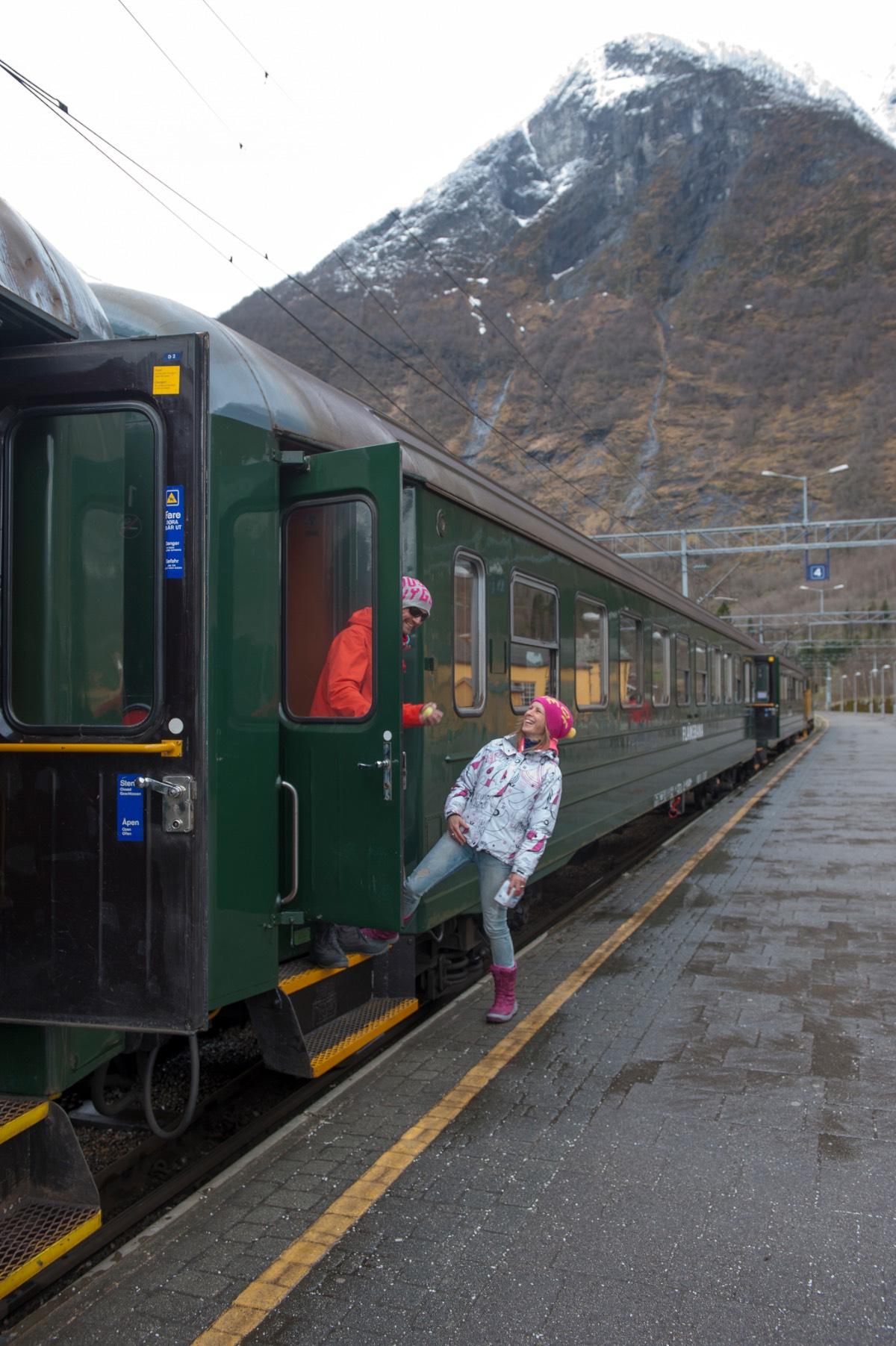 Noorwegen_De flamsbana treinrit van groen naar wit 1