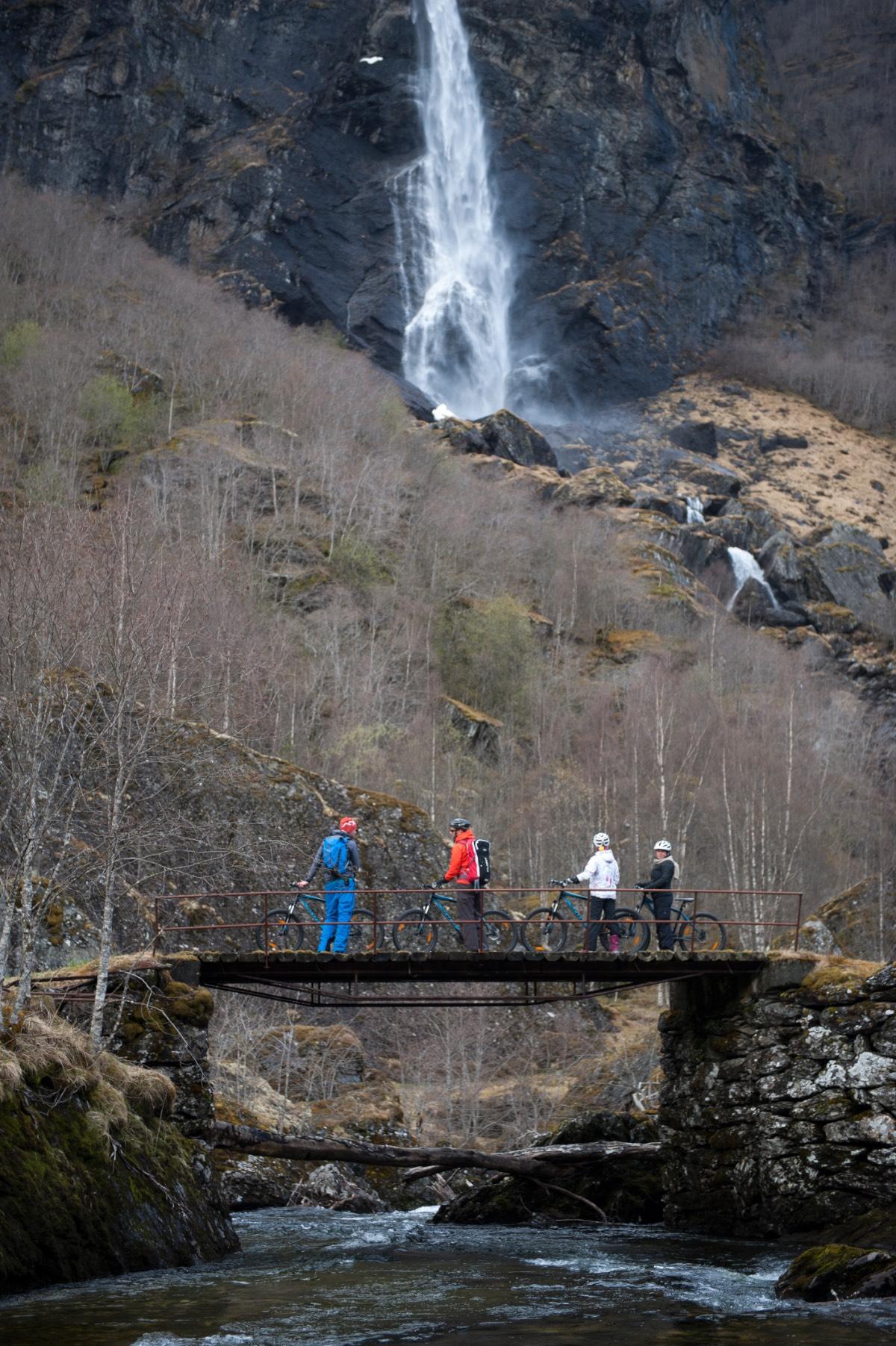 Noorwegen_Langs watervallen op de fiets 1