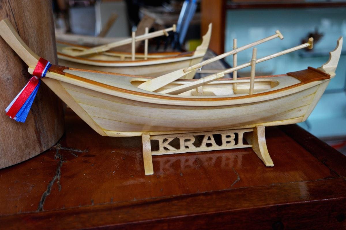 Krabi_souvenir-boats