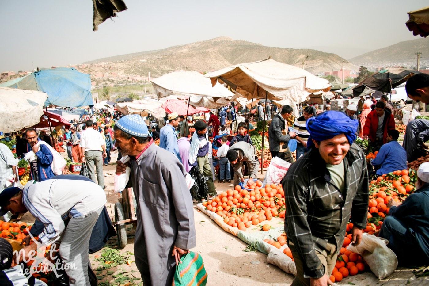 Taghazoutde souk (markt) in het dorpje Aourir