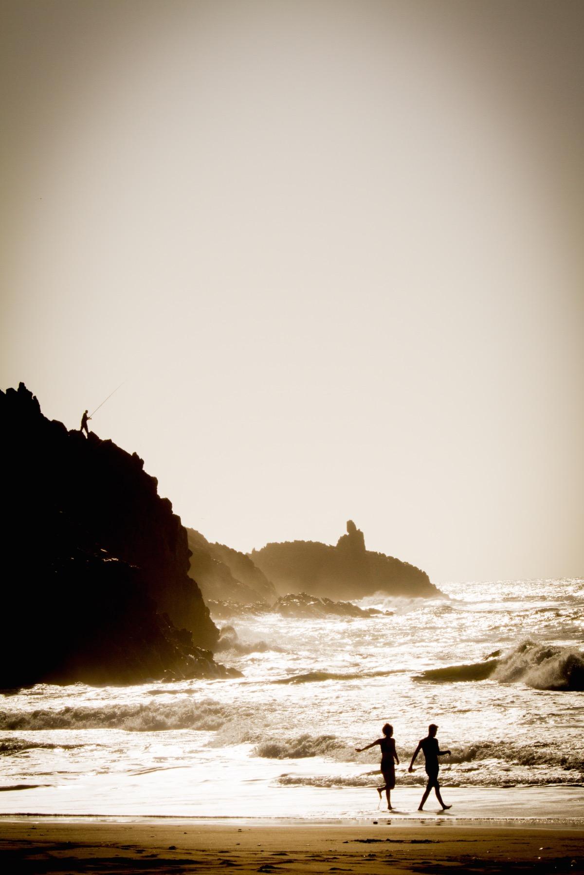 genieten van een strandwandeling Mirleft.jpg