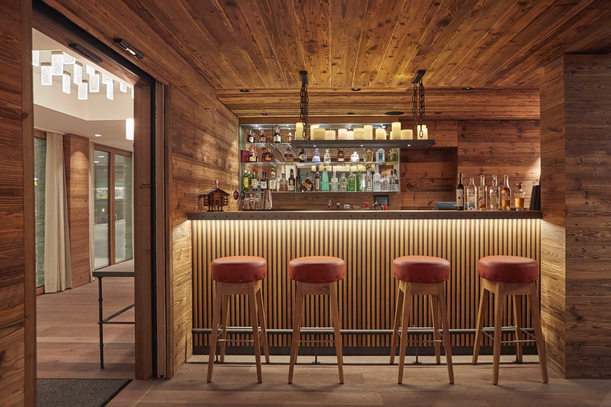 The Capra Bar & Lounge7
